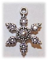 R3032 Charms Snowflake